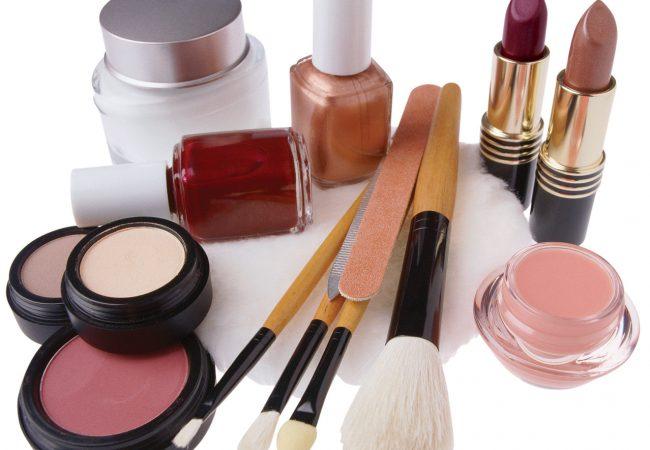 Tri najdôležitejšie kozmetické prípravky pre očné líčenie